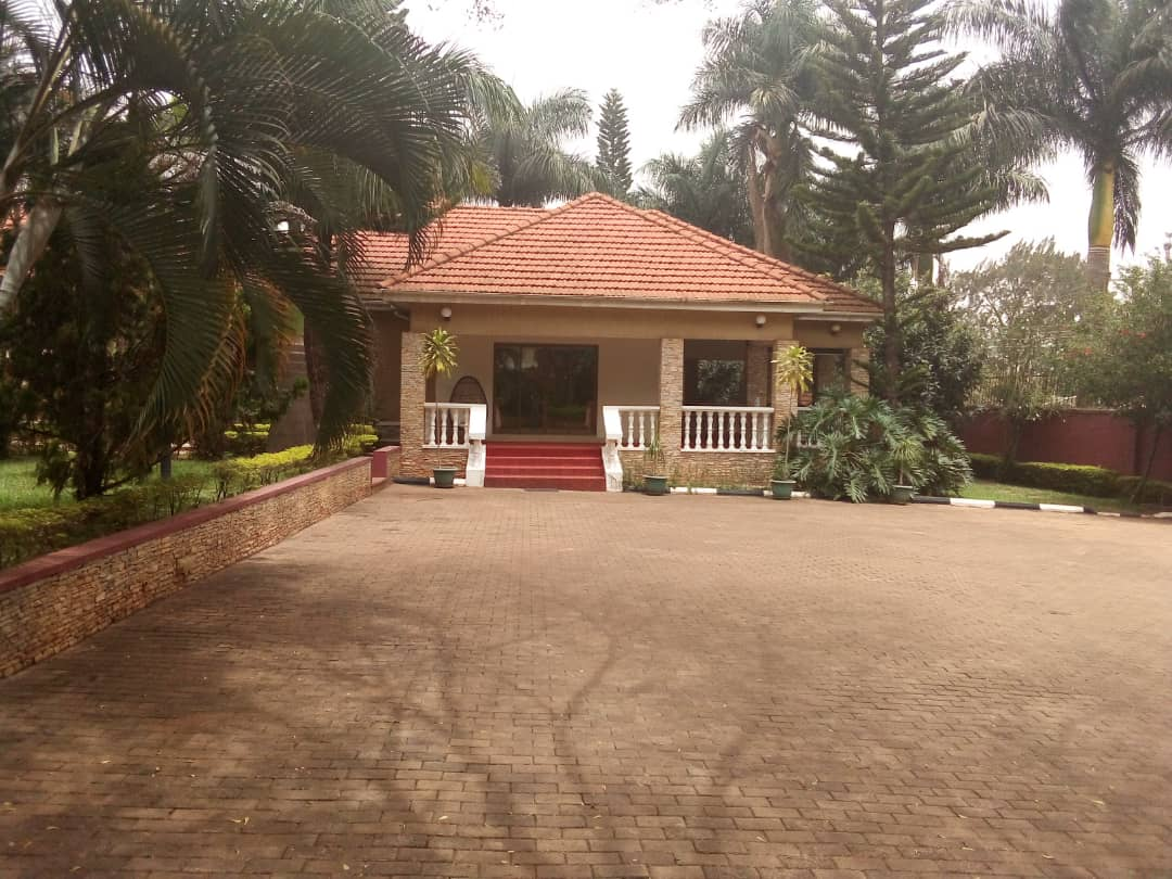 Fully funished stand Alone house at Naguru