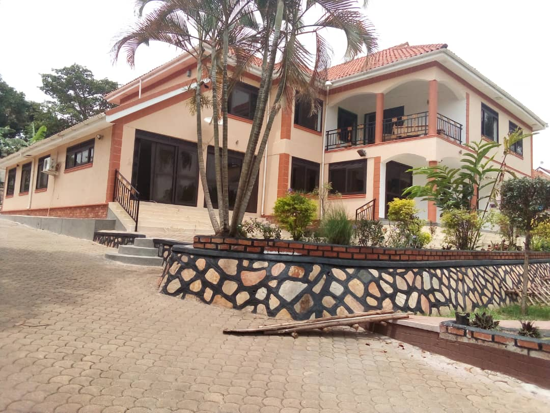 Residential House to let at Bugolobi